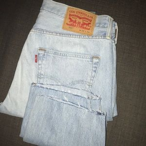 Levis 501 Men's size 32x34 like new
